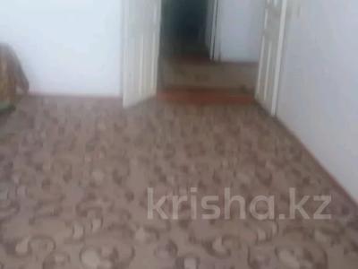 2-комнатная квартира, 60 м², 5/5 этаж, Мкр. Астана 26 — Аль-Фараби за 11 млн 〒 в Таразе — фото 3