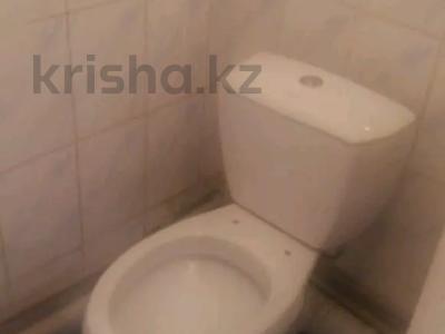 2-комнатная квартира, 60 м², 5/5 этаж, Мкр. Астана 26 — Аль-Фараби за 11 млн 〒 в Таразе — фото 4
