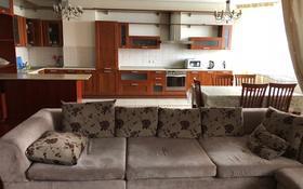 4-комнатная квартира, 161 м², 11 этаж помесячно, Масанчи 98а за 355 000 〒 в Алматы