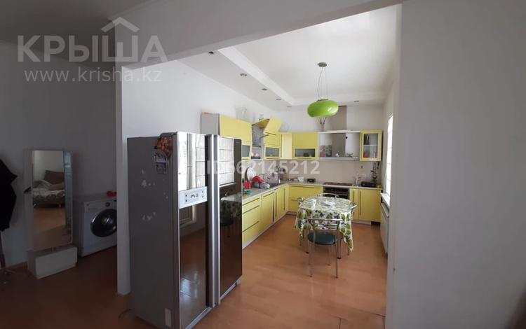 3-комнатная квартира, 107 м², 16/18 этаж помесячно, Отрар за 200 000 〒 в Нур-Султане (Астана), р-н Байконур