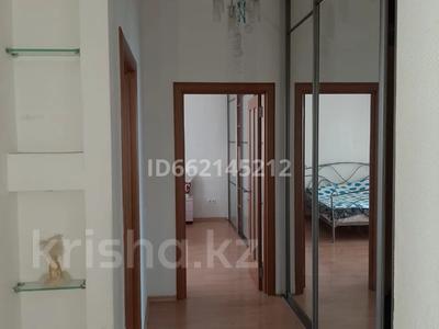 3-комнатная квартира, 107 м², 16/18 этаж помесячно, Отрар за 200 000 〒 в Нур-Султане (Астана), р-н Байконур — фото 6