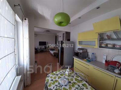 3-комнатная квартира, 107 м², 16/18 этаж помесячно, Отрар за 200 000 〒 в Нур-Султане (Астана), р-н Байконур — фото 8
