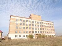 Здание, площадью 6402 м²