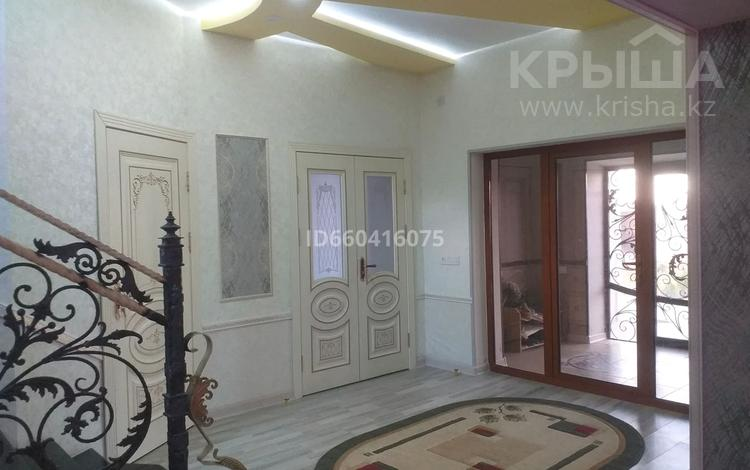 8-комнатный дом, 260 м², 10 сот., ул. Жаңа шаһар 96 за 45 млн 〒 в Туркестане