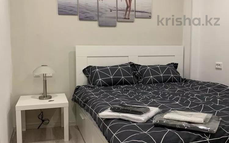1-комнатная квартира, 60 м², 18 этаж посуточно, Сатпаева 30/2 — Шагабутдинова за 13 000 〒 в Алматы