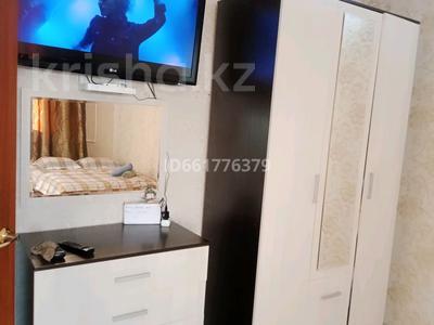 2-комнатная квартира, 65 м², 1/1 этаж посуточно, 11-й микрорайон 37 за 7 000 〒 в Актобе, мкр 11