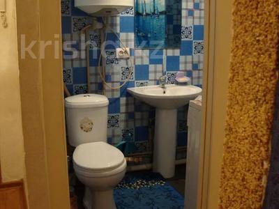 1-комнатная квартира, 33 м², 1/5 этаж посуточно, Ауэзова 42 за 4 500 〒 в Семее — фото 11