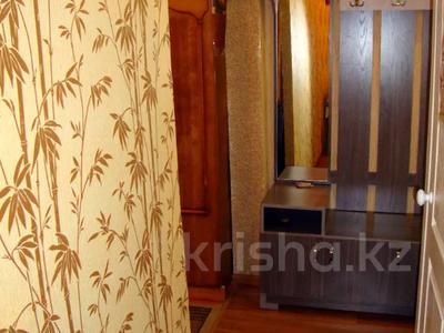 1-комнатная квартира, 33 м², 1/5 этаж посуточно, Ауэзова 42 за 4 500 〒 в Семее — фото 8