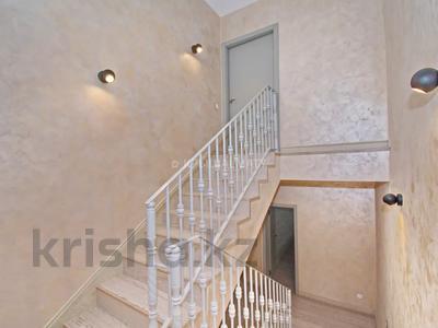 6-комнатный дом, 280 м², 3 сот., Бериктас за 180 млн 〒 в Алматы, Бостандыкский р-н — фото 11