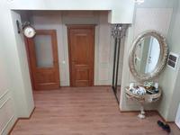 5-комнатная квартира, 250 м², 6/6 этаж помесячно