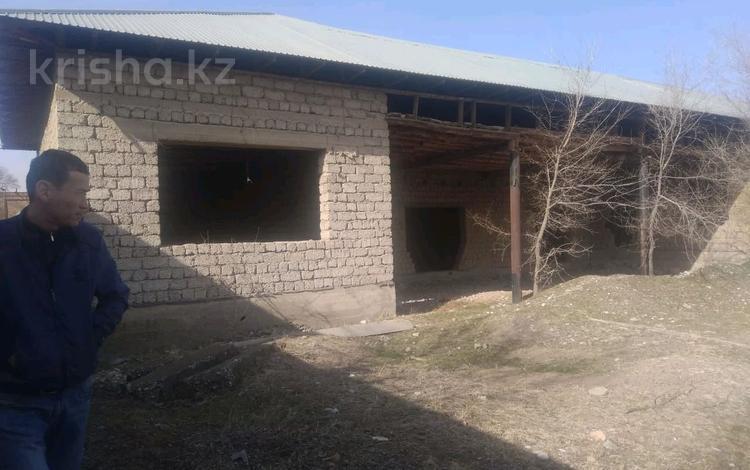6-комнатный дом, 210 м², 9 сот., Таскен 1 — Алматинская трасса за 9 млн 〒 в Шымкенте, Каратауский р-н