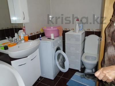 3-комнатная квартира, 128 м², 4/6 этаж помесячно, Сатпаева 39В за 175 000 〒 в Атырау — фото 6