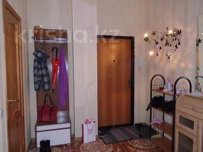 3-комнатная квартира, 128 м², 4/6 этаж помесячно, Сатпаева 39В за 175 000 〒 в Атырау — фото 8