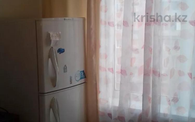 1-комнатная квартира, 40 м², 4/5 этаж посуточно, 408 квартал 15 за 5 000 〒 в Семее