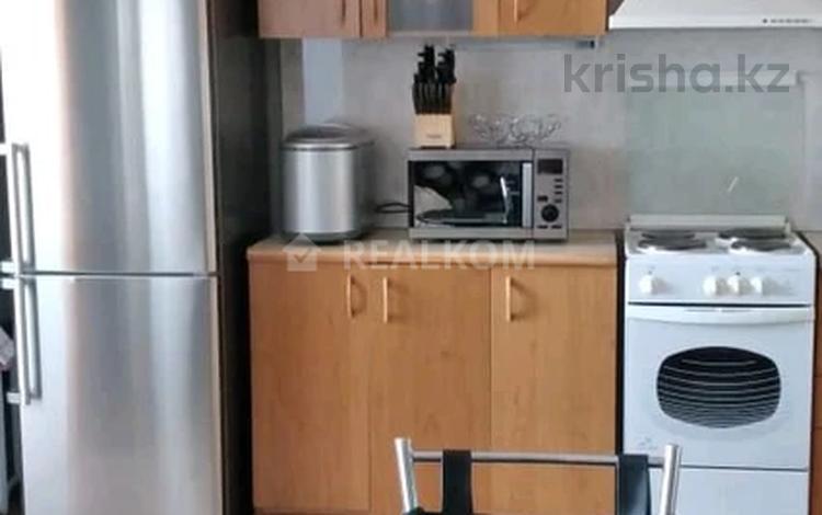 3-комнатная квартира, 63 м², 8/10 этаж, Комсомольская за 15.5 млн 〒 в Павлодаре