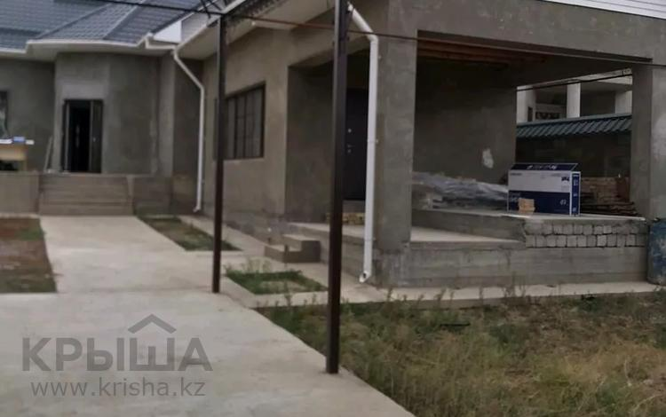 5-комнатный дом помесячно, 200 м², 8 сот., Самал -2 222 — Казиева за 270 000 〒 в Шымкенте, Каратауский р-н