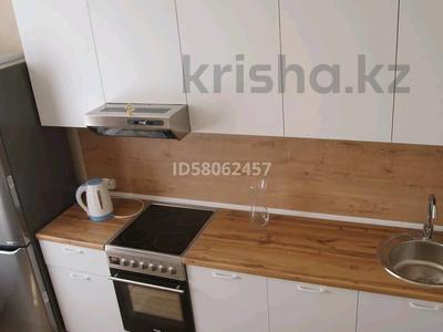 1-комнатная квартира, 52 м², 3/9 этаж по часам, Камзина 41/1 за 1 000 〒 в Павлодаре — фото 4