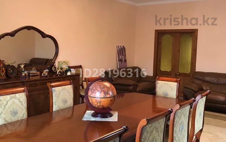6-комнатный дом, 311 м², мкр Таусамалы 100 — Тау Самалы за 96 млн 〒 в Алматы, Наурызбайский р-н