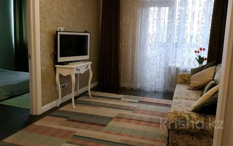 2-комнатная квартира, 60 м², 2 этаж помесячно, мкр Алмагуль 309 за 300 000 〒 в Алматы, Бостандыкский р-н