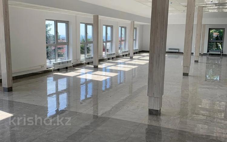 Здание, Кызжибек — Омарова площадью 1400 м² за 3 200 〒 в Алматы, Медеуский р-н