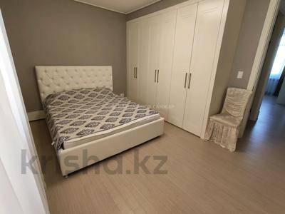 3-комнатная квартира, 85 м², 10 этаж помесячно, Нажимеденова 4 за 250 000 〒 в Нур-Султане (Астана) — фото 3
