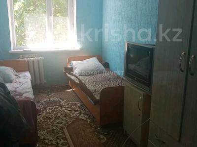 3-комнатная квартира, 60 м², 4/4 этаж, Республика за 13.2 млн 〒 в Шымкенте, Аль-Фарабийский р-н
