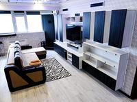 2-комнатная квартира, 75 м², 19/20 этаж посуточно, 17-й мкр 5 за 35 000 〒 в Актау, 17-й мкр
