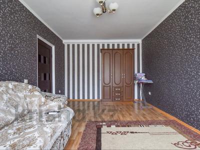 1-комнатная квартира, 50 м², 4/9 этаж посуточно, мкр Жана Орда 6 — Абулхаир - Хана за 6 000 〒 в Уральске, мкр Жана Орда