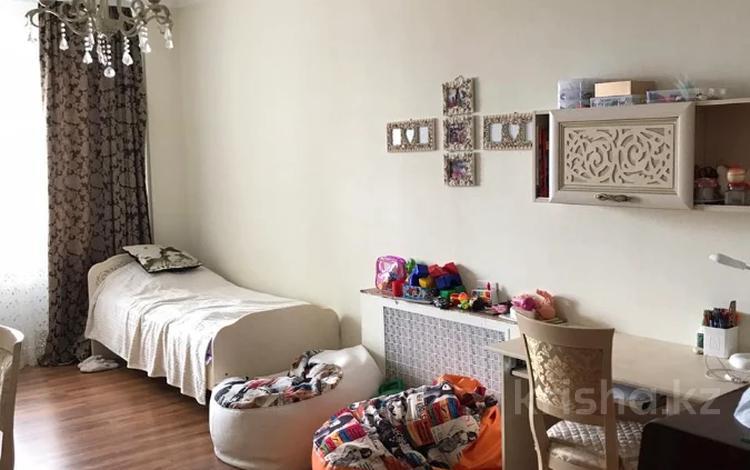 4-комнатная квартира, 120 м², 2/9 этаж, Алихана Бокейханова за 37.5 млн 〒 в Нур-Султане (Астана), Есиль р-н