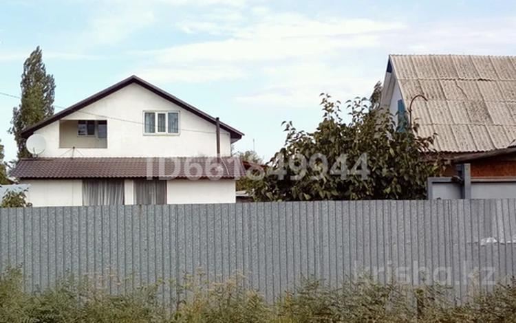 6-комнатный дом, 180 м², 14 сот., Южная за 20 млн 〒 в Байтереке (Новоалексеевке)