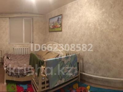 5-комнатный дом, 120 м², 10 сот., Мустафа Шокай 1/2 за 38 млн 〒 в Нур-Султане (Астана), Алматы р-н