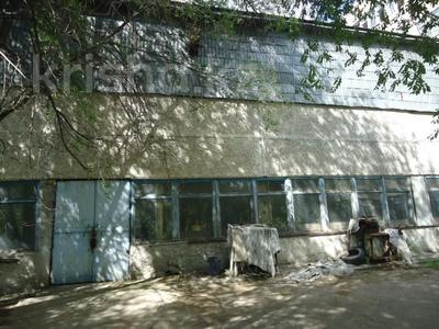 Здание, площадью 6342.52 м², Село Мынбаево, ул.Еламанова 4 за ~ 86.7 млн 〒