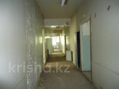 Здание, площадью 6342.52 м², Село Мынбаево, ул.Еламанова 4 за ~ 86.7 млн 〒 — фото 4