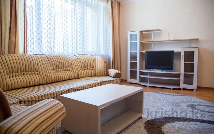 1-комнатная квартира, 40 м², 4/13 этаж посуточно, Мәңгілік Ел 19 — Керей Жанибек Хандар за 8 000 〒 в Нур-Султане (Астана), Есильский р-н