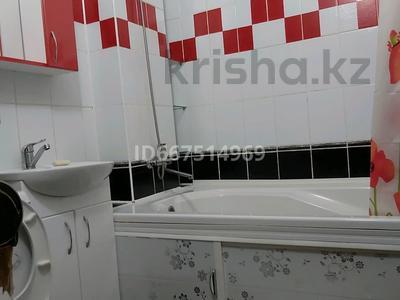 1-комнатная квартира, 38 м², 1/2 этаж посуточно, Г. Караш 33 — проспект Назарбаева за 6 000 〒 в Уральске