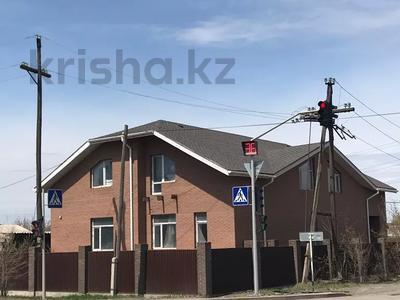 6-комнатный дом, 309 м², 10 сот., Сатпаева 20 — Ерубаева за 85 млн 〒 в Караганде, Казыбек би р-н