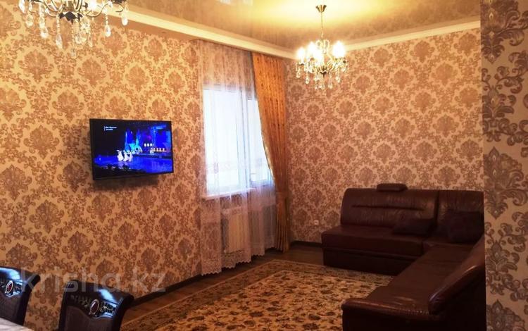 2-комнатная квартира, 70 м², 11/17 этаж помесячно, Кунаева 91 за 150 000 〒 в Шымкенте