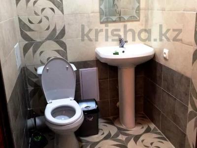 2-комнатная квартира, 70 м², 11/17 этаж помесячно, Кунаева 91 за 150 000 〒 в Шымкенте — фото 6