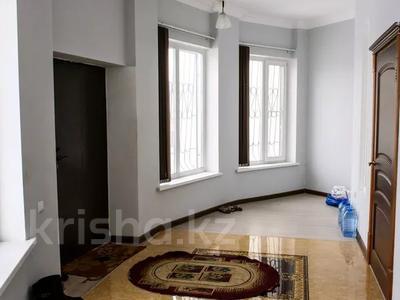 9-комнатный дом, 550 м², 20 сот., Бузык 20 за 115 млн 〒 в Есиль — фото 24