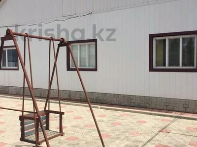4-комнатный дом, 100 м², 14 сот., Жамбыла 189 за 12.5 млн 〒 в Мартуке — фото 2