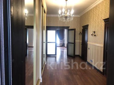 4-комнатный дом помесячно, 220 м², 10 сот., проспект Улы Дала — Алихана Бокейханова за 1 млн 〒 в Нур-Султане (Астана), Есиль р-н — фото 14