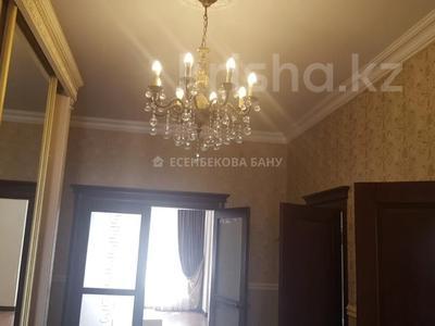 4-комнатный дом помесячно, 220 м², 10 сот., проспект Улы Дала — Алихана Бокейханова за 1 млн 〒 в Нур-Султане (Астана), Есиль р-н — фото 17