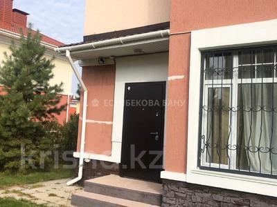 4-комнатный дом помесячно, 220 м², 10 сот., проспект Улы Дала — Алихана Бокейханова за 1 млн 〒 в Нур-Султане (Астана), Есиль р-н — фото 39