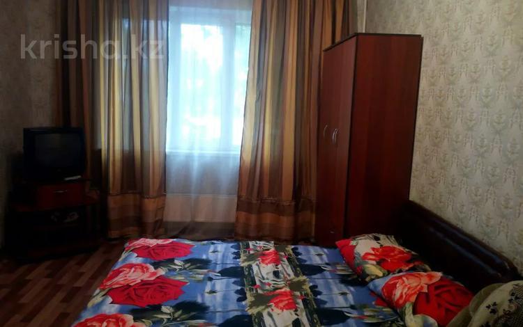1-комнатная квартира, 40 м², 2/9 этаж посуточно, мкр Аксай-2, Саина 76 — Маречека за 6 000 〒 в Алматы, Ауэзовский р-н