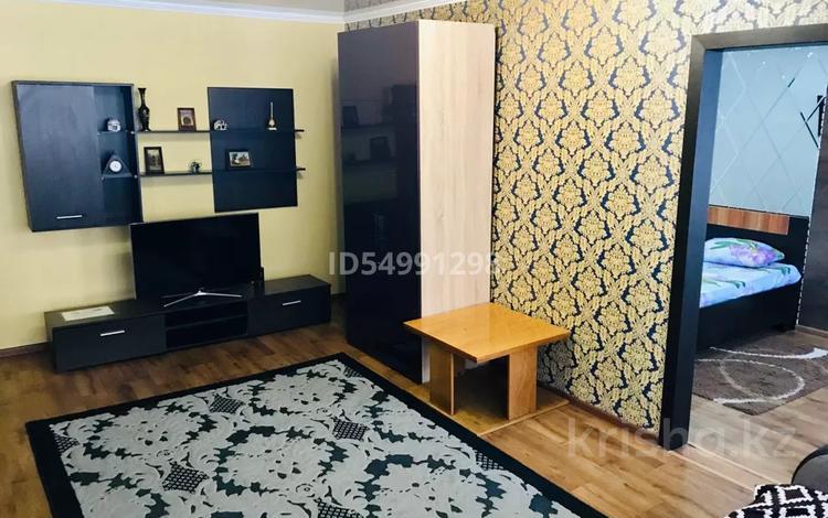2-комнатная квартира, 47 м², 1/5 этаж, Алиханова 38/3 за 15 млн 〒 в Караганде, Казыбек би р-н