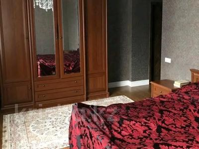3-комнатная квартира, 115 м², 8/14 этаж помесячно, Хусайнова 225 за 250 000 〒 в Алматы, Бостандыкский р-н — фото 2